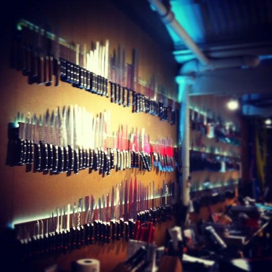 Das Foto wurde bei Bowery Kitchen Supplies von Lucas M. am 6/3/2012 aufgenommen