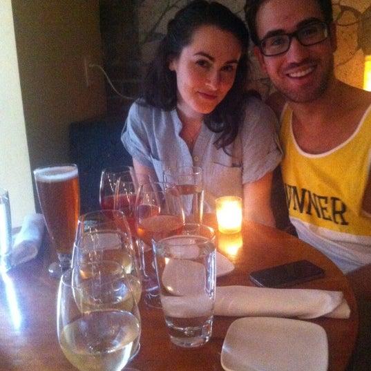 Foto scattata a Stonehome Wine Bar & Restaurant da Olivia W. il 8/18/2012