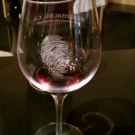 6/2/2012 tarihinde Daniella S.ziyaretçi tarafından Thumbprint Cellars Tasting Room & Art Gallery'de çekilen fotoğraf