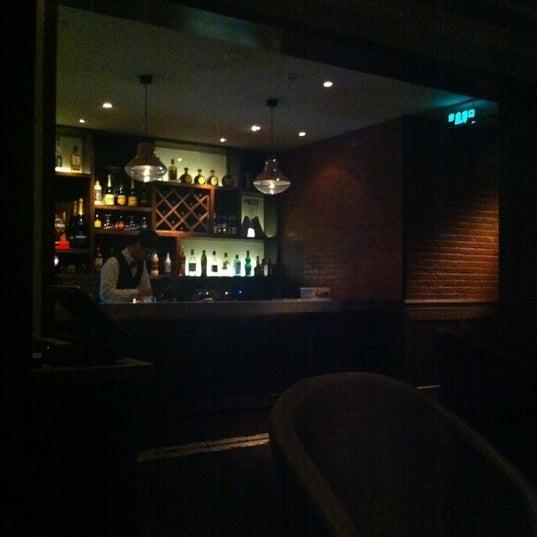 Foto tirada no(a) De Refter por Junnie C. em 3/17/2012
