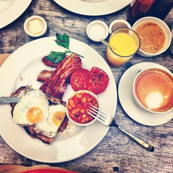 Foto tomada en The Table Café por Arnaud M. el 8/19/2012