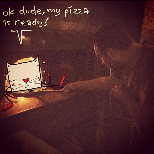 9/1/2012 tarihinde Sadi T.ziyaretçi tarafından Mica Restaurant & Bar'de çekilen fotoğraf