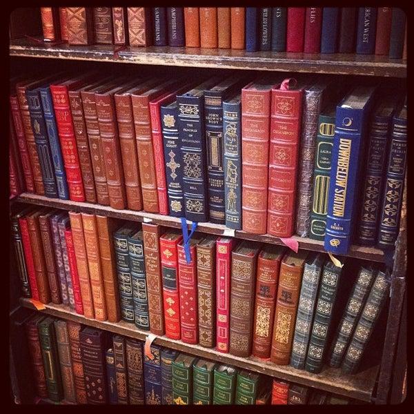 Das Foto wurde bei Strand Bookstore von Rita C. am 3/18/2012 aufgenommen