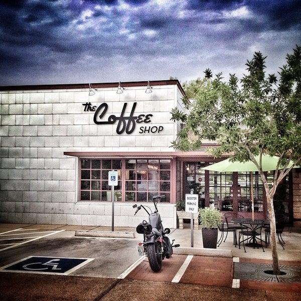 Das Foto wurde bei The Coffee Shop at Agritopia von Ricky B. am 8/16/2012 aufgenommen