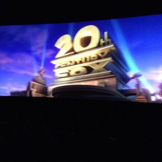 รูปภาพถ่ายที่ Spectrum Cineplex โดย Bora C. เมื่อ 7/22/2012