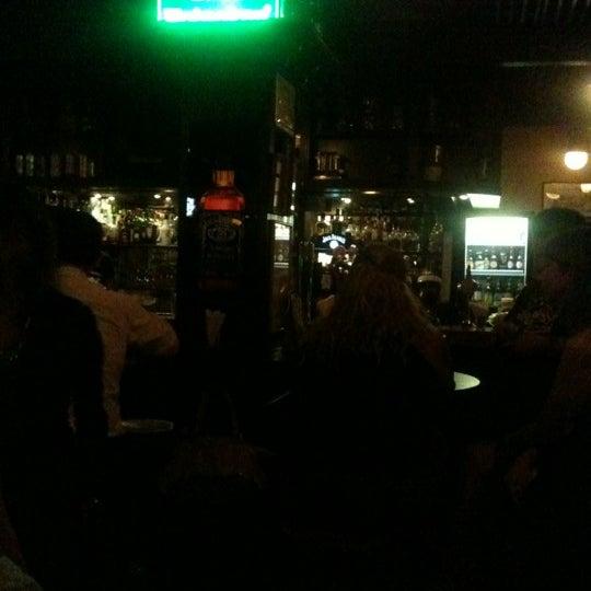 Foto diambil di All Black Irish Pub oleh Tiago B. pada 3/27/2012