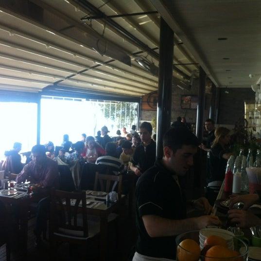 Foto tomada en Taş Kahve Cafe & Restaurant por Taş Kahve E. el 3/18/2012