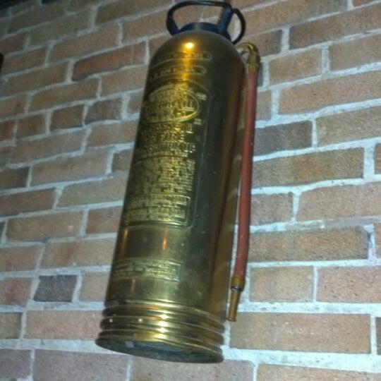 รูปภาพถ่ายที่ Firehouse Brewing Company โดย Alisha S. เมื่อ 8/21/2012
