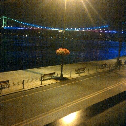 Foto scattata a Taş Kahve Cafe & Restaurant da wrong w. il 8/2/2012