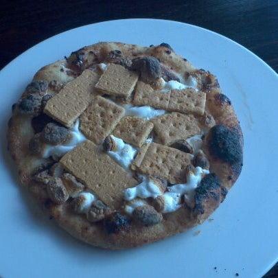Снимок сделан в Pizza CS пользователем Johnny T. 3/4/2012