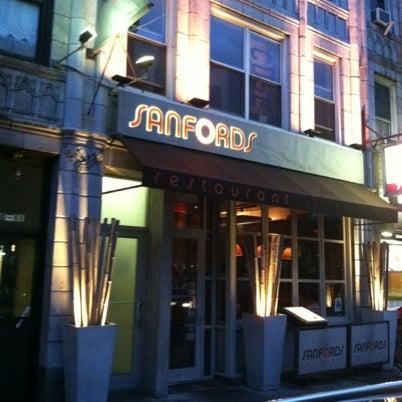 8/2/2012に@AstoriaHaikuがSanfordsで撮った写真