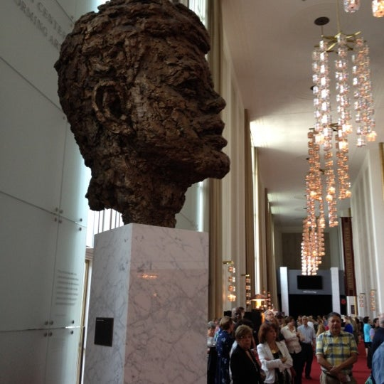 Снимок сделан в The John F. Kennedy Center for the Performing Arts пользователем Karen 7/15/2012
