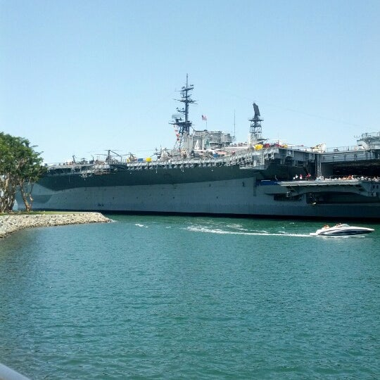 Photo prise au USS Midway Museum par Angel B. le7/21/2012