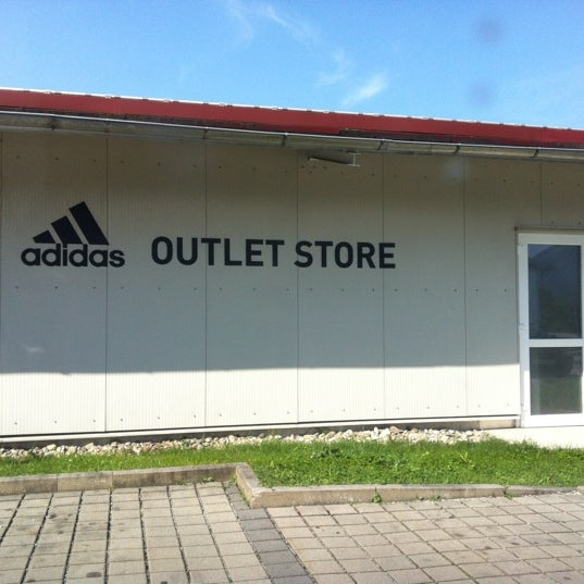 adidas Outlet Store Piding - Sporting Goods Shop