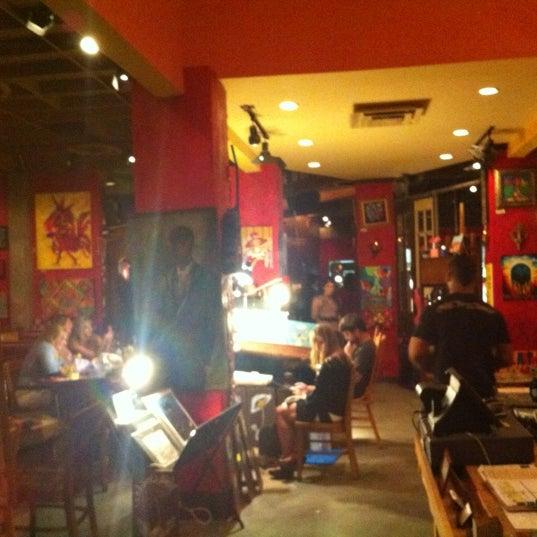 Foto diambil di Café Tu Tu Tango oleh Trent W. pada 7/31/2012