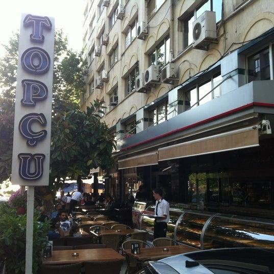 Foto diambil di Topçu Restaurant oleh Serdar Rahan K. pada 5/25/2012