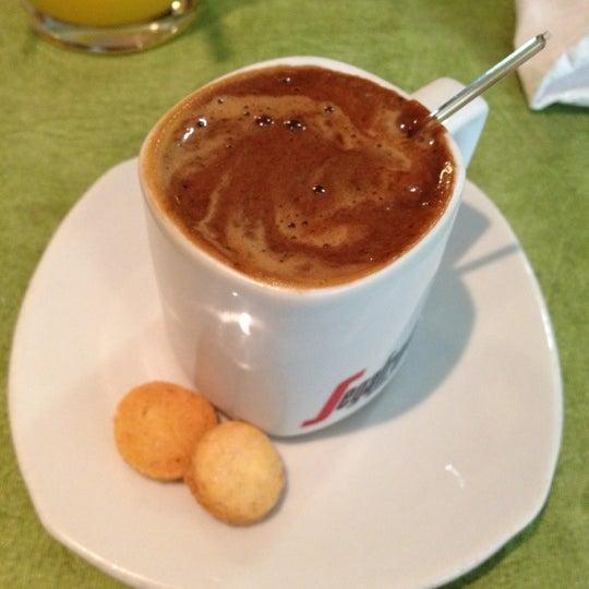 5/18/2012 tarihinde Raquel R.ziyaretçi tarafından Limone Restaurante e Café'de çekilen fotoğraf