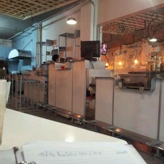 รูปภาพถ่ายที่ Jerónimas โดย Daniel R. เมื่อ 2/13/2012