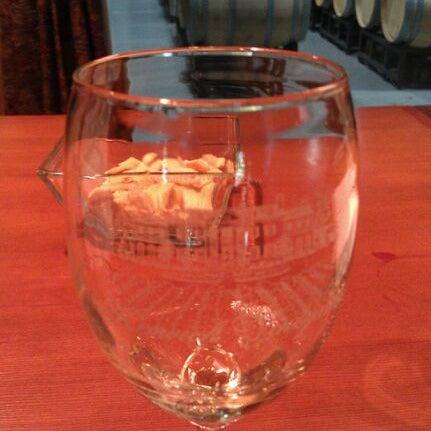 5/27/2012 tarihinde Moe E.ziyaretçi tarafından Keswick Vineyards'de çekilen fotoğraf