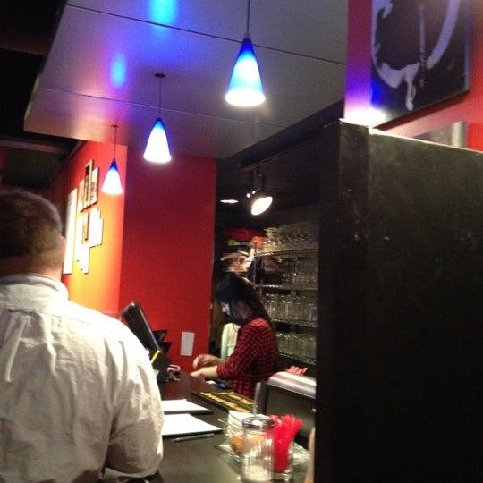Снимок сделан в Bar Thalia пользователем Ellyn S. 4/23/2012