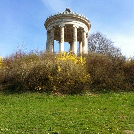 Photos At Monopteros Monument Landmark In Englischer Garten Süd
