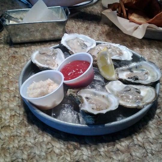 Foto tirada no(a) The Big Ketch Saltwater Grill por Yeeun T. em 5/12/2012