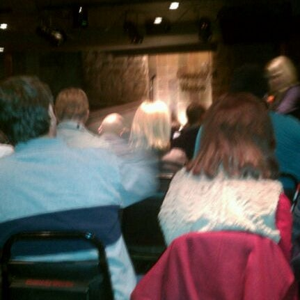 2/27/2012 tarihinde Torrence N.ziyaretçi tarafından Comedy Works Downtown in Larimer Square'de çekilen fotoğraf