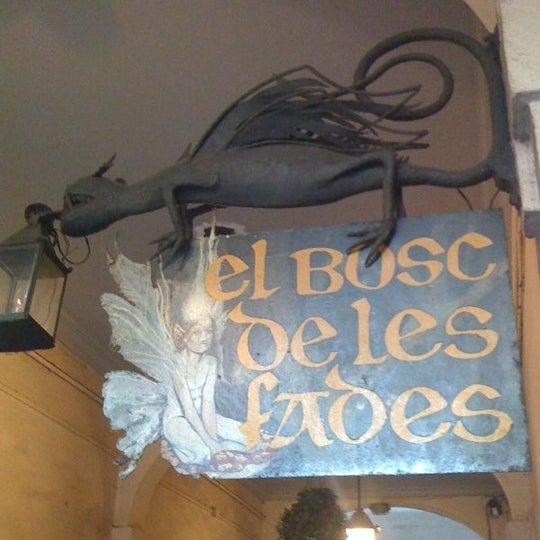 รูปภาพถ่ายที่ El Bosc de les Fades โดย Litrox เมื่อ 7/13/2012