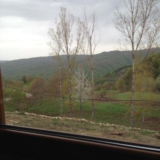 รูปภาพถ่ายที่ Cafer Usta Bolu Dağı Et Mangal โดย Yusuf S. เมื่อ 4/21/2012