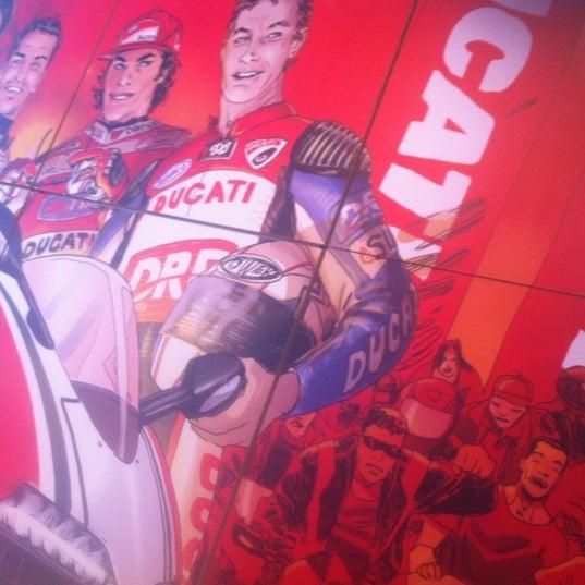 4/3/2012 tarihinde Vittorio Z.ziyaretçi tarafından Ducati Motor Factory & Museum'de çekilen fotoğraf