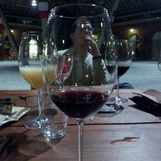 4/4/2012 tarihinde Pier V.ziyaretçi tarafından Il Maglio Rock House Restaurant'de çekilen fotoğraf