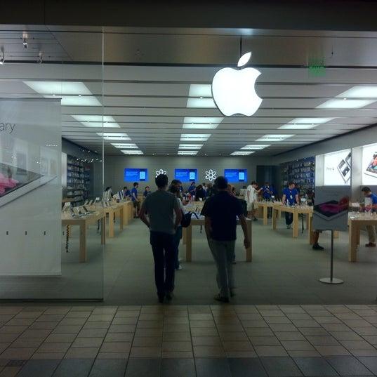 Summit Mall Stores >> Photos At Apple Summit Mall Fairlawn Oh
