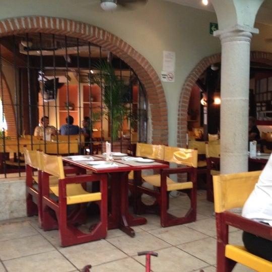 Foto scattata a Rolandi's da Luis Eduardo V. il 7/17/2012