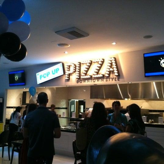 Снимок сделан в Pop Up Pizza пользователем @JDannan 6/26/2012