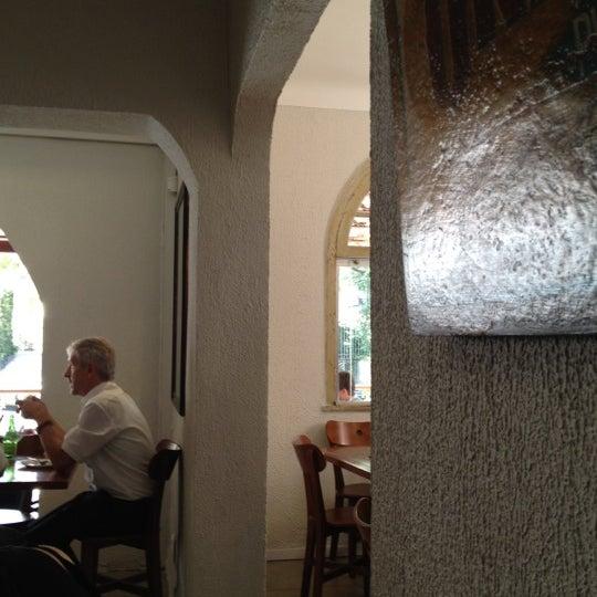 Foto tirada no(a) Restaurante Catarina631 por Emi V. em 4/3/2012