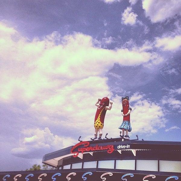 Снимок сделан в Superdawg Drive-In пользователем Elise Lauren J. 7/5/2012