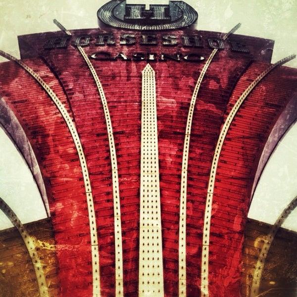 รูปภาพถ่ายที่ Horseshoe Hammond Casino โดย Gnarly J. เมื่อ 4/28/2012
