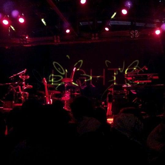 รูปภาพถ่ายที่ Warehouse Live โดย Liz S. เมื่อ 3/15/2012