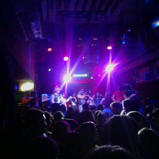 6/10/2012 tarihinde Victor C.ziyaretçi tarafından Bolshoi Pub'de çekilen fotoğraf