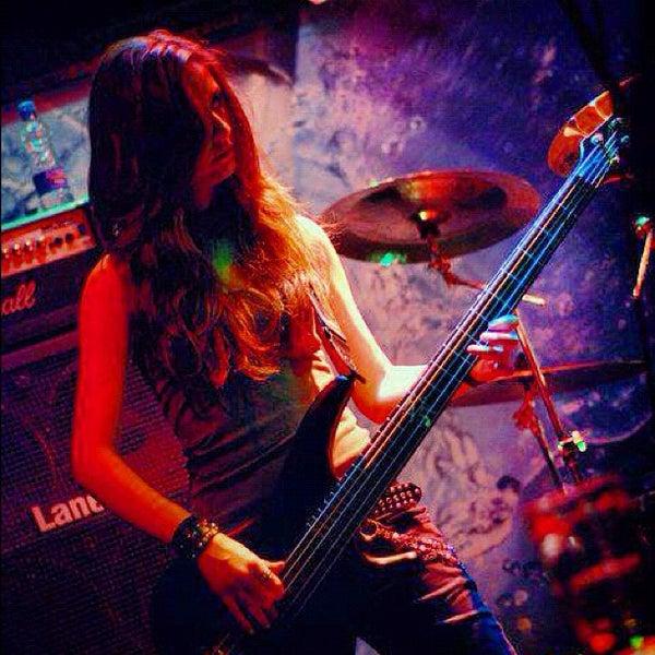 4/9/2012 tarihinde Hakan Tanınziyaretçi tarafından Dorock Heavy Metal Club'de çekilen fotoğraf