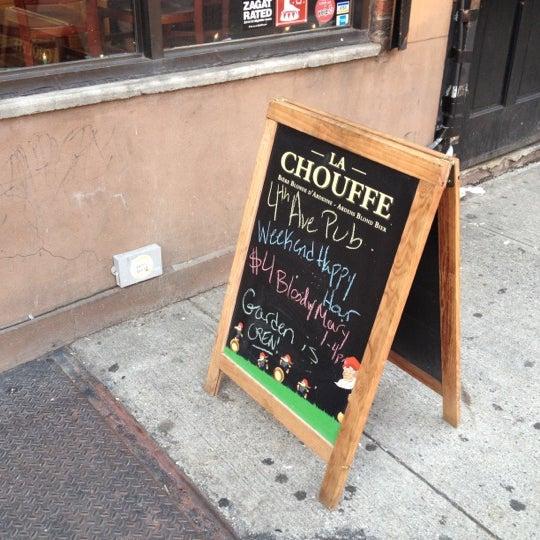 Das Foto wurde bei Fourth Avenue Pub von Izzi S. am 5/27/2012 aufgenommen