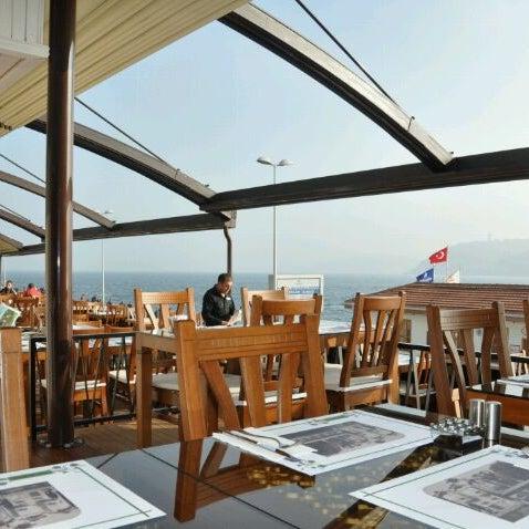Foto tomada en Taş Kahve Cafe & Restaurant por Ferit K. el 3/21/2012