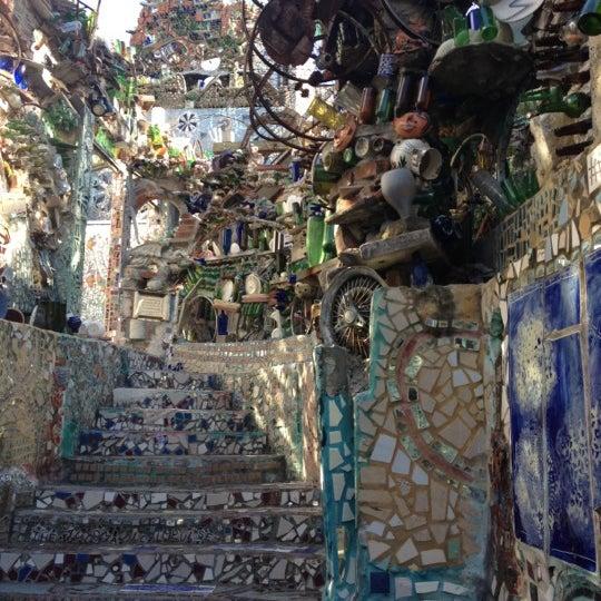 Foto scattata a Philadelphia's Magic Gardens da George C. il 4/29/2012