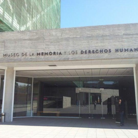 Foto diambil di Museo de la Memoria y los Derechos Humanos oleh Nervion_Kmiza pada 5/18/2012