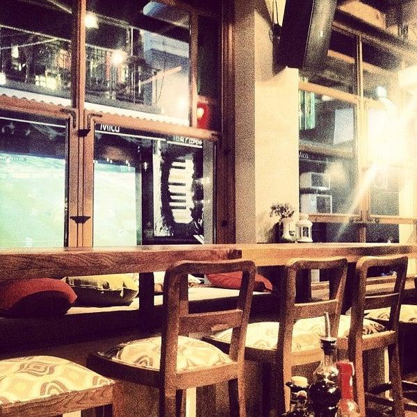 6/14/2012 tarihinde Merih G.ziyaretçi tarafından Mica Restaurant & Bar'de çekilen fotoğraf