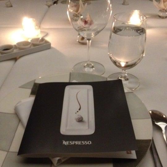 รูปภาพถ่ายที่ Jaso Restaurant โดย Emiliano Ezequiel เมื่อ 8/16/2012
