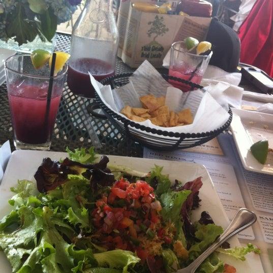Photo prise au Park Tavern par Monica S. le4/15/2012