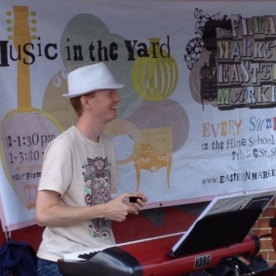 Photo prise au The Flea Market at Eastern Market par Karen H. le6/3/2012