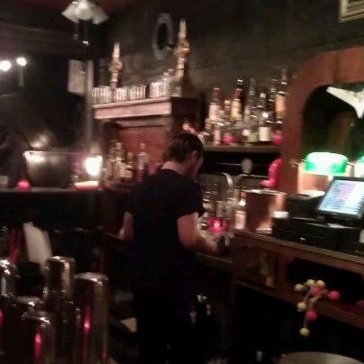 Foto tomada en Rock & Roll Hotel por Andrea B. el 6/8/2012