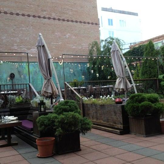 Снимок сделан в MyMoon Restaurant пользователем Monika N. 7/25/2012